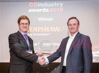 Renishaw's Philippe Reinders Folmer collects Award from Richard Stevenson, Editor of CS Magazine